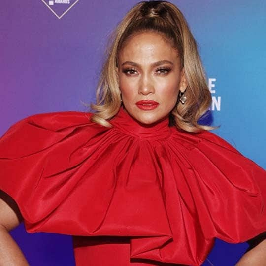 Jennifer Lopez People's Choice Awards 2020 Blonde Highlights