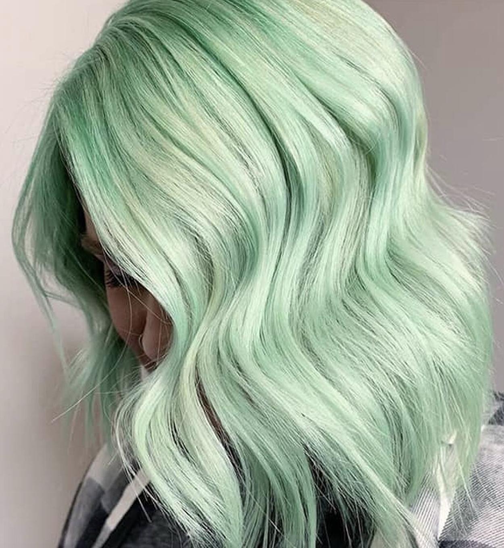 Beachy Lob Green Hair