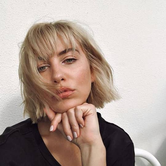 french girl hair choppy bob