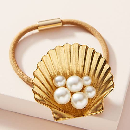golden seashell for hair