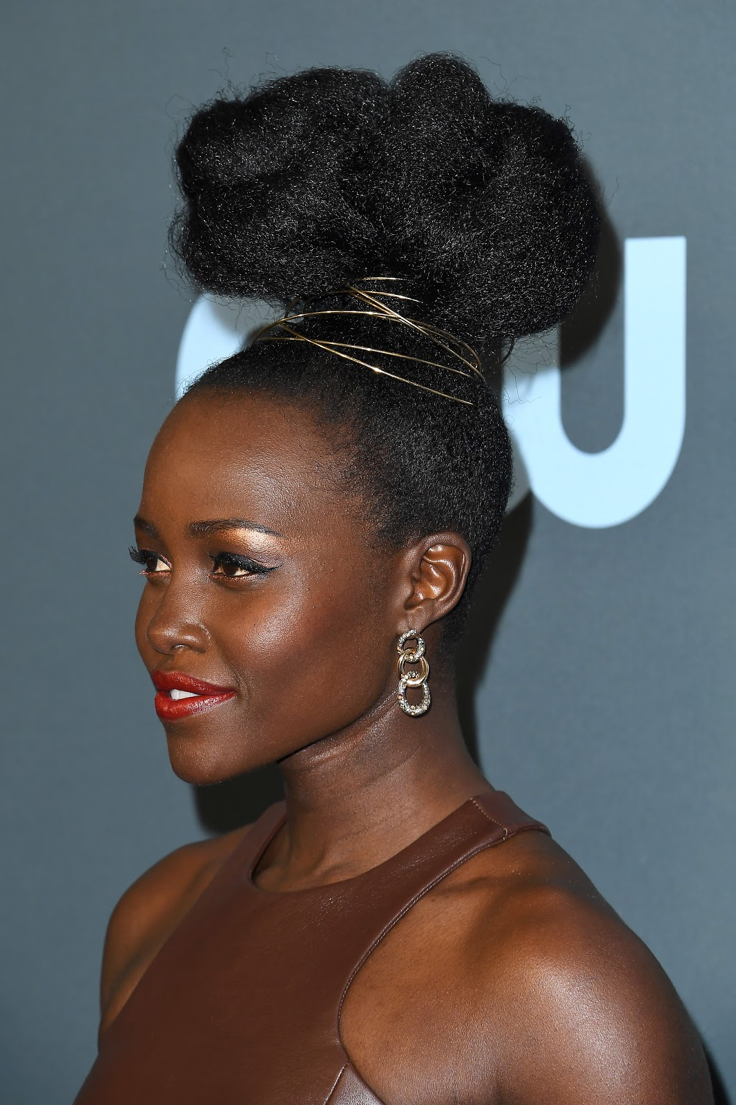 Lupita Nyongo Red Carpet Hairstyle Critic's Choice Awards