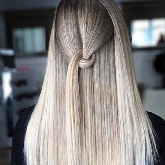 woman with airtouch technique balayage