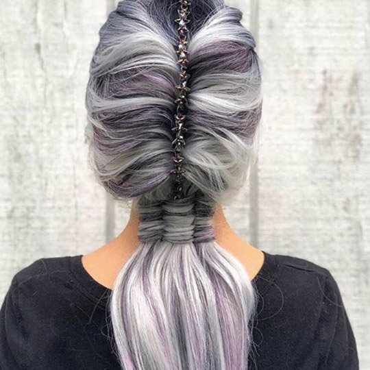 festival hairstyles three tail pony with accessories